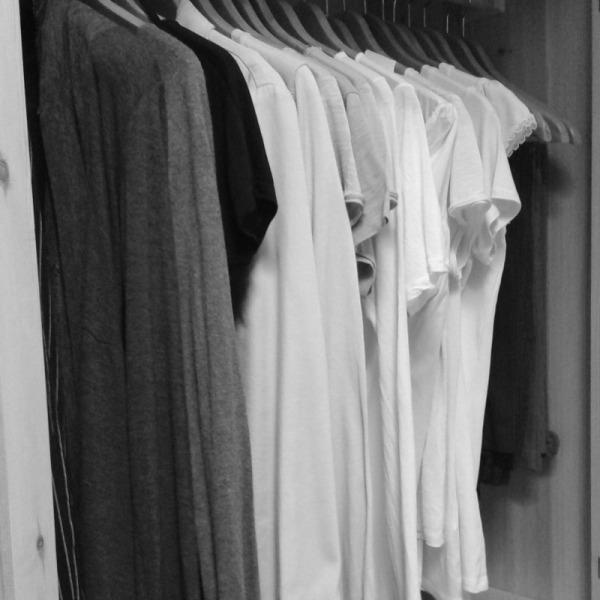 armadio ordine vestiti