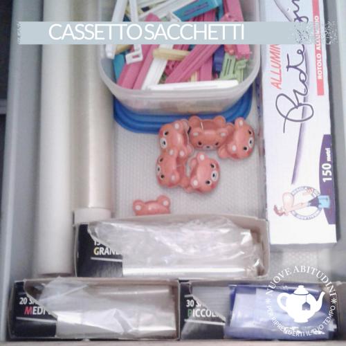 cassetto sacchetti cucina